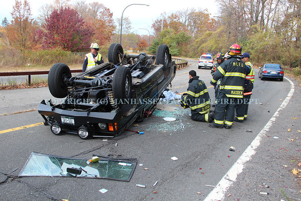 Manhasset-Lakeville F.D. Responds To Two Separate MVA's In Same Location