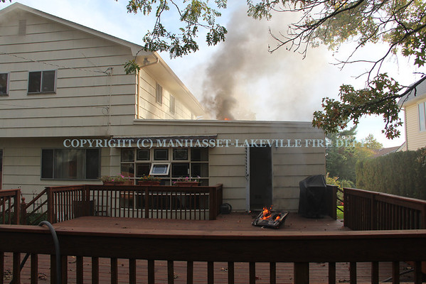 Manhasset-Lakeville F.D. Makes Quick Work of Kitchen Fire